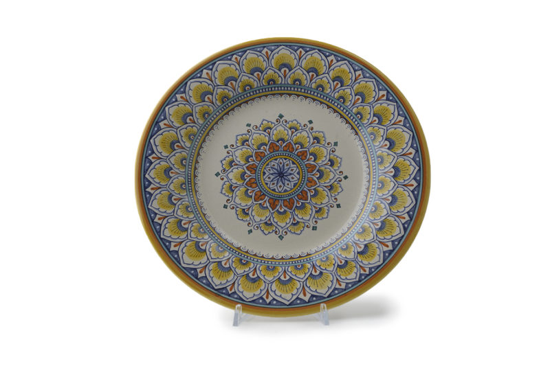 Тарелка декоративная из керамики