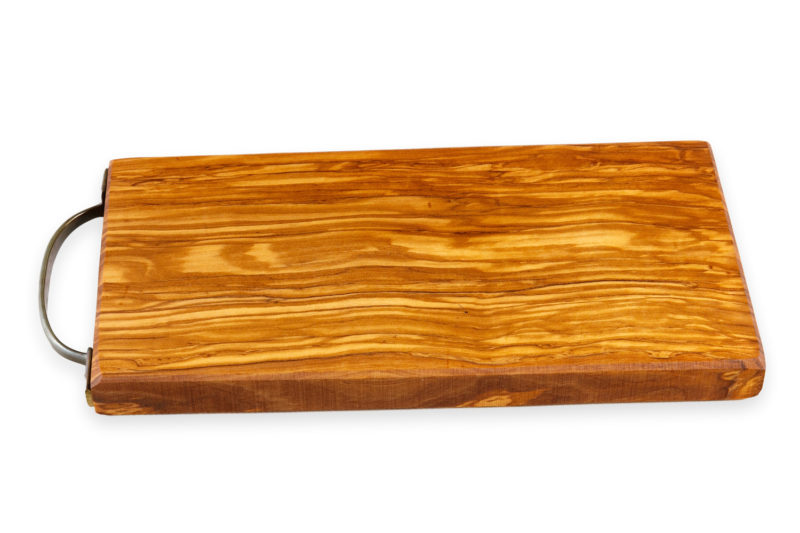 Разделочная доска из оливкового дерева с латунной ручкой