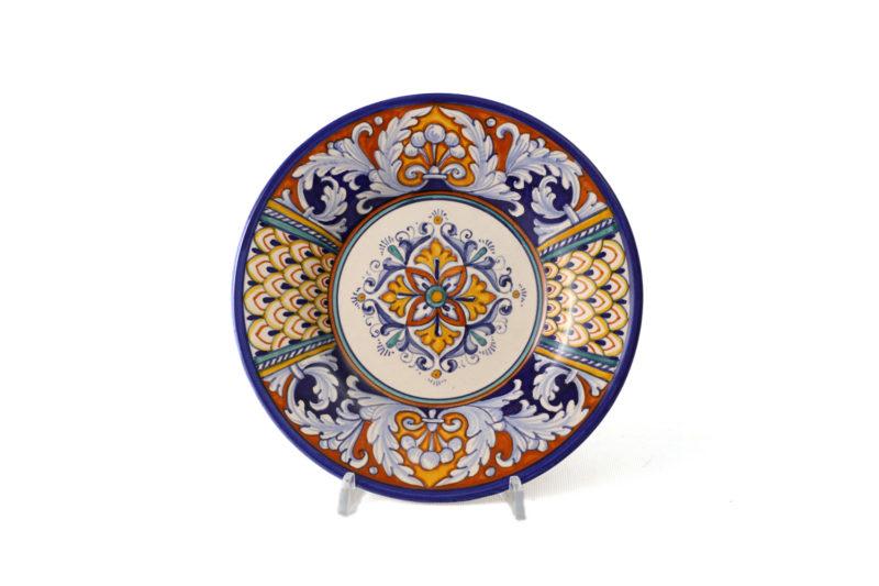 Керамическая тарелка